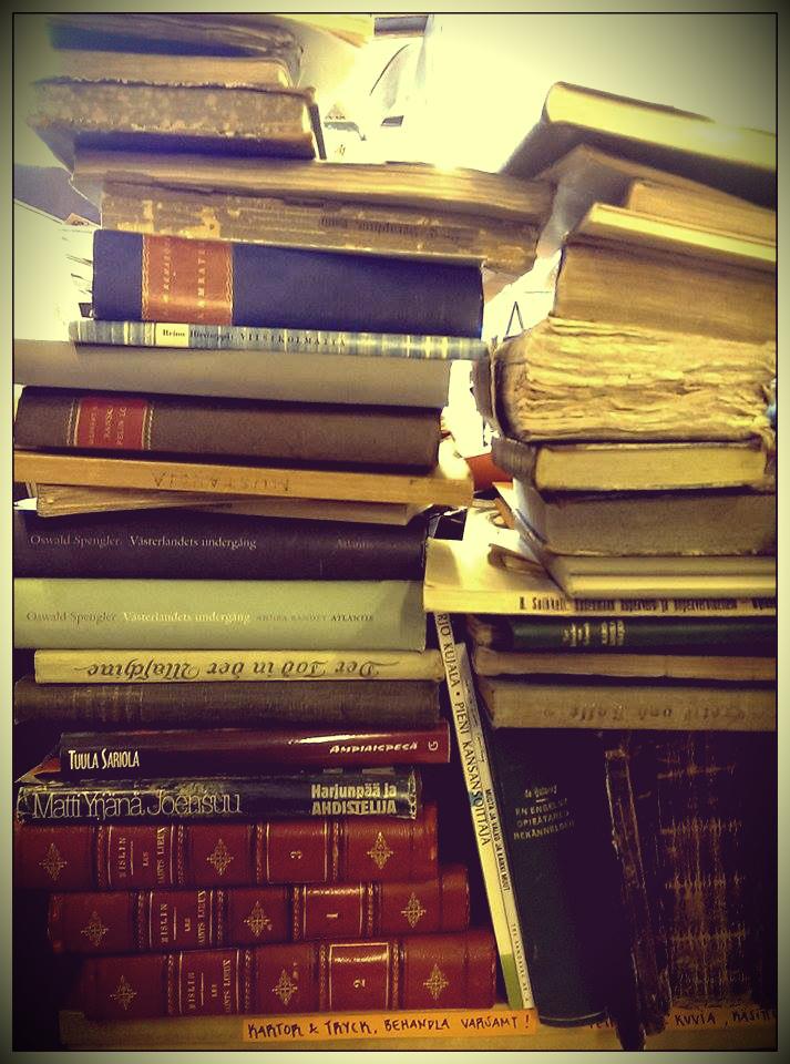 book pile1