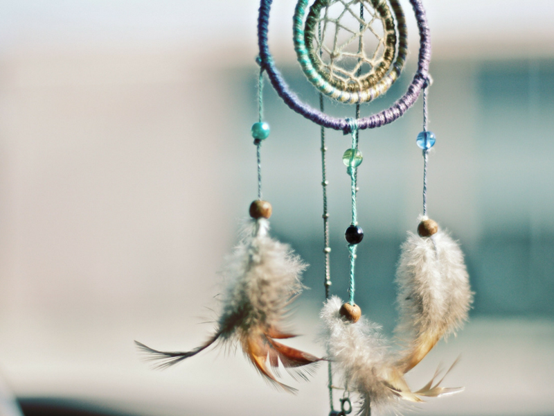 dream catcher - canva 800x600