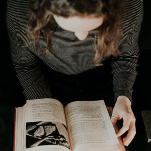 finnish course - book canva 800x800
